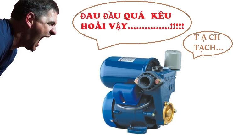 vi-sao-may-bom-ap-keu-tach-tach